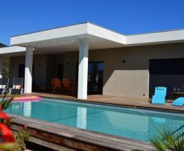 Holiday house in Sainte-Lucie-de-Porto-Vecchio with pool, in Corse.