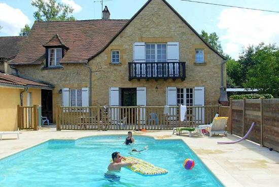 Vakantiehuis in Saint-Vincent-de-Cosse, Dordogne-Limousin -
