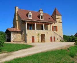 Holiday house in Campagnac-lès-Quercy with pool, in Dordogne-Limousin.