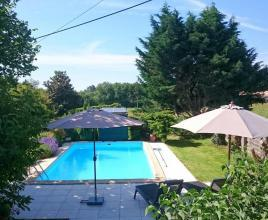 Holiday house in Claviéras with pool, in Dordogne-Limousin.