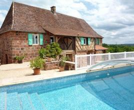 Casa vacanze con piscina in Badefols-d'Ans, in Dordogne-Limousin.