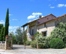 Holiday house in La Chapelle-Faucher with pool, in Dordogne-Limousin.