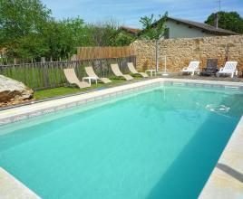 Casa vacanze con piscina in La Chapelle-Faucher, in Dordogne-Limousin.