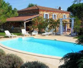 Holiday house in Mazeyrolles with pool, in Dordogne-Limousin.