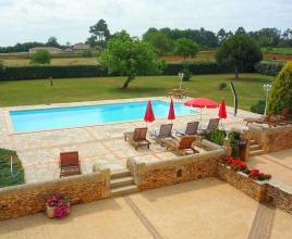 Holiday house in Marminiac with pool, in Dordogne-Limousin.