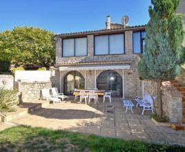 Vakantiehuis in La Roche-sur-le-Buis met zwembad, in Provence-Côte d'Azur.