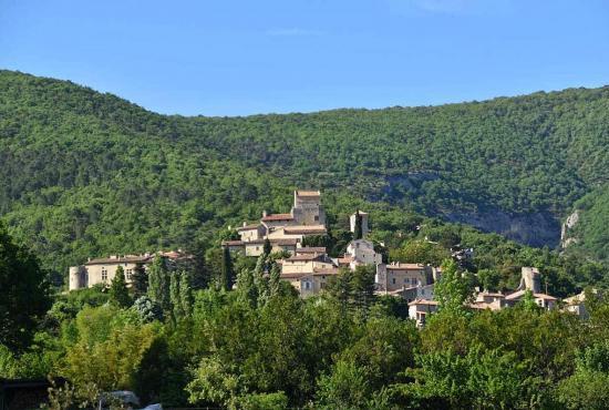 Vakantiehuis in Montboucher-sur-Jabron, Provence-Côte d'Azur - Le Poët-Laval