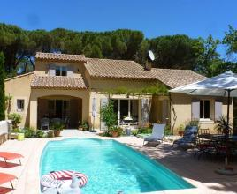 Holiday house in Rochegude with pool, in Provence-Côte d'Azur.