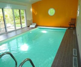 Holiday house in Tréflez with pool, in Brittany.