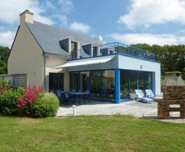 Holiday house in Moëlan-sur-Mer with pool, in Brittany.