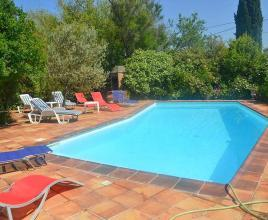Holiday house in Le Garn with pool, in Languedoc-Roussillon.