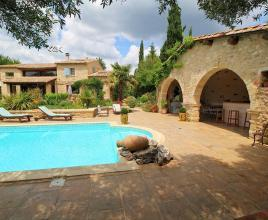 Ferienhaus in Castillon-du-Gard mit Pool, in Languedoc-Roussillon.