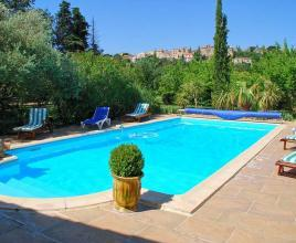 Holiday house in Castillon-du-Gard with pool, in Languedoc-Roussillon.