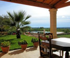 Holiday house in Saint-Médiers with pool, in Languedoc-Roussillon.