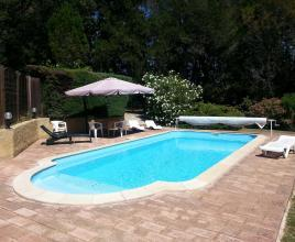 Ferienhaus in Le Pin mit Pool, in Languedoc-Roussillon.