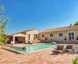 Vakantiehuis in Le Cailar met zwembad, in Languedoc-Roussillon.