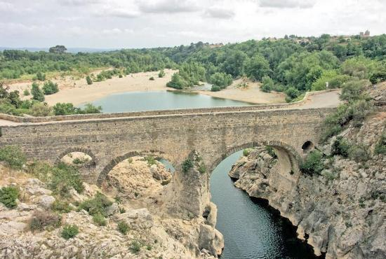 Holiday house in Sérignan, Languedoc-Roussillon - Pont du Diable - river l'Hérault