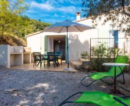 Holiday house in Cabrerolles with pool, in Languedoc-Roussillon.