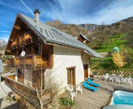Holiday house in Venosc with pool, in Alpes.