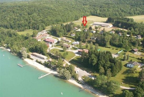 Ferienhaus in  Doucier, Franche-Comté - Lac de Chalain (Chalet in rot)