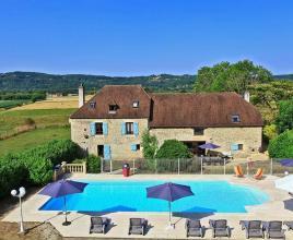 Vakantiehuis in Bétaille met zwembad, in Dordogne-Limousin.