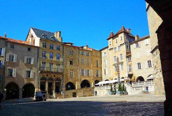 Vakantiehuis in Tour-de-Faure, Dordogne-Limousin - Villefranche-de-Rouergue