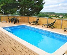 Casa vacanze con piscina in Saint-Paul-de-Loubressac, in Dordogne-Limousin.