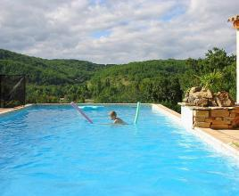 Holiday house in Calamane with pool, in Dordogne-Limousin.