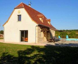 Holiday house in Quissac with pool, in Dordogne-Limousin.