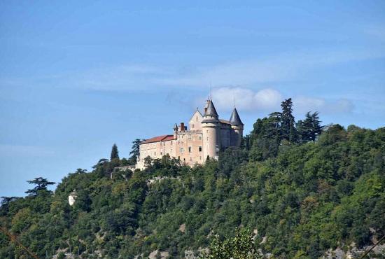 Location de vacances en Caillac, Dordogne-Limousin - Château de Mercuès