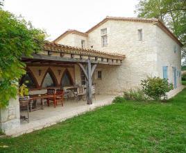 Casa vacanze con piscina in Montaut, in Aquitaine.