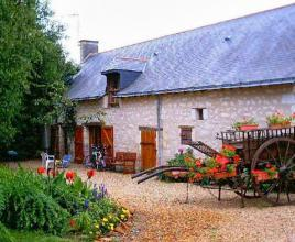 Holiday house in Longué-Jumelles with pool, in Pays de la Loire.