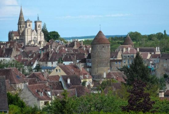 Vakantiehuis in Moux-en-Morvan, Bourgogne - Semur-en-Auxois