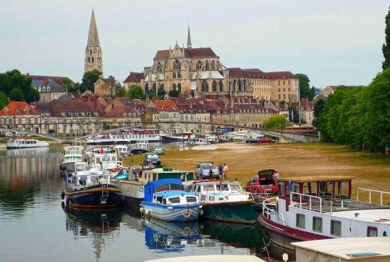 Vakantiehuis in Héry, Bourgogne - Auxerre
