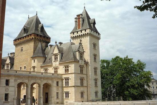 Location de vacances en Lestelle-Bétharram, Aquitaine - Château de Pau