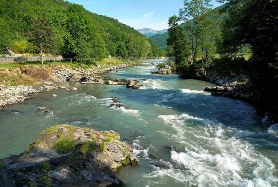 Location de vacances en Lestelle-Bétharram, Aquitaine - Gave de Pau 500 m