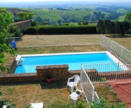 Casa vacanze con piscina in Chiroubles, in Bourgogne.