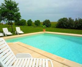 Holiday house in Lacour-de-Visa with pool, in Dordogne-Limousin.