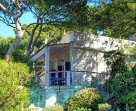 Holiday house in Saint-Cyr-sur-Mer near the sea, in Provence-Côte d'Azur.