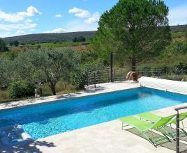 Vakantiehuis in Brue-Auriac met zwembad, in Provence-Côte d'Azur.