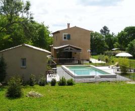 Location de vacances avec piscine à Lorgues, Provence-Côte d'Azur