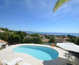 Holiday house in Saint-Aygulf with pool, in Provence-Côte d'Azur.