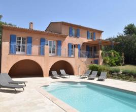 Casa vacanze con piscina in Vidauban, in Provence-Côte d'Azur.