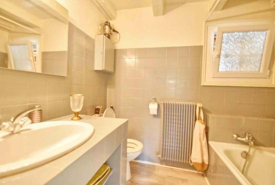 Holiday house in Saint-Paul-en-Forêt, Provence-Côte d'Azur - Bathroom in studio