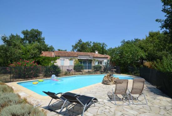 Casa vacanza in Saint-Paul-en-Forêt, Provence-Côte d'Azur -