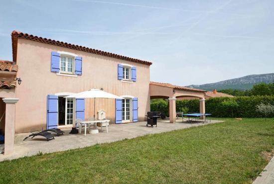 Vakantiehuis in Nans-les-Pins, Provence-Côte d'Azur -