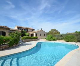 Holiday house in Puget-sur-Argens with pool, in Provence-Côte d'Azur.