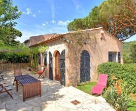 Vakantiehuis in La Croix-Valmer aan zee, in Provence-Côte d'Azur.