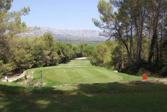 Vakantiehuis in Nans-les-Pins, Provence-Côte d'Azur - Nans les Pins - golfbaan