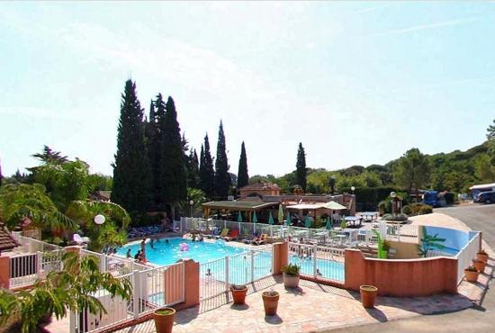 Vakantiehuis in Saint-Aygulf, Provence-Côte d'Azur - zwembad camping